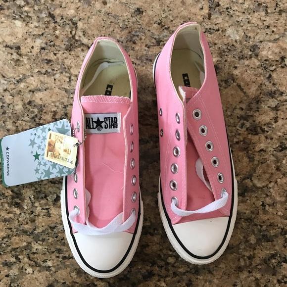 ec98a41c2191 BRAND NEW pink converse